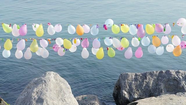 balloons-1354193_640